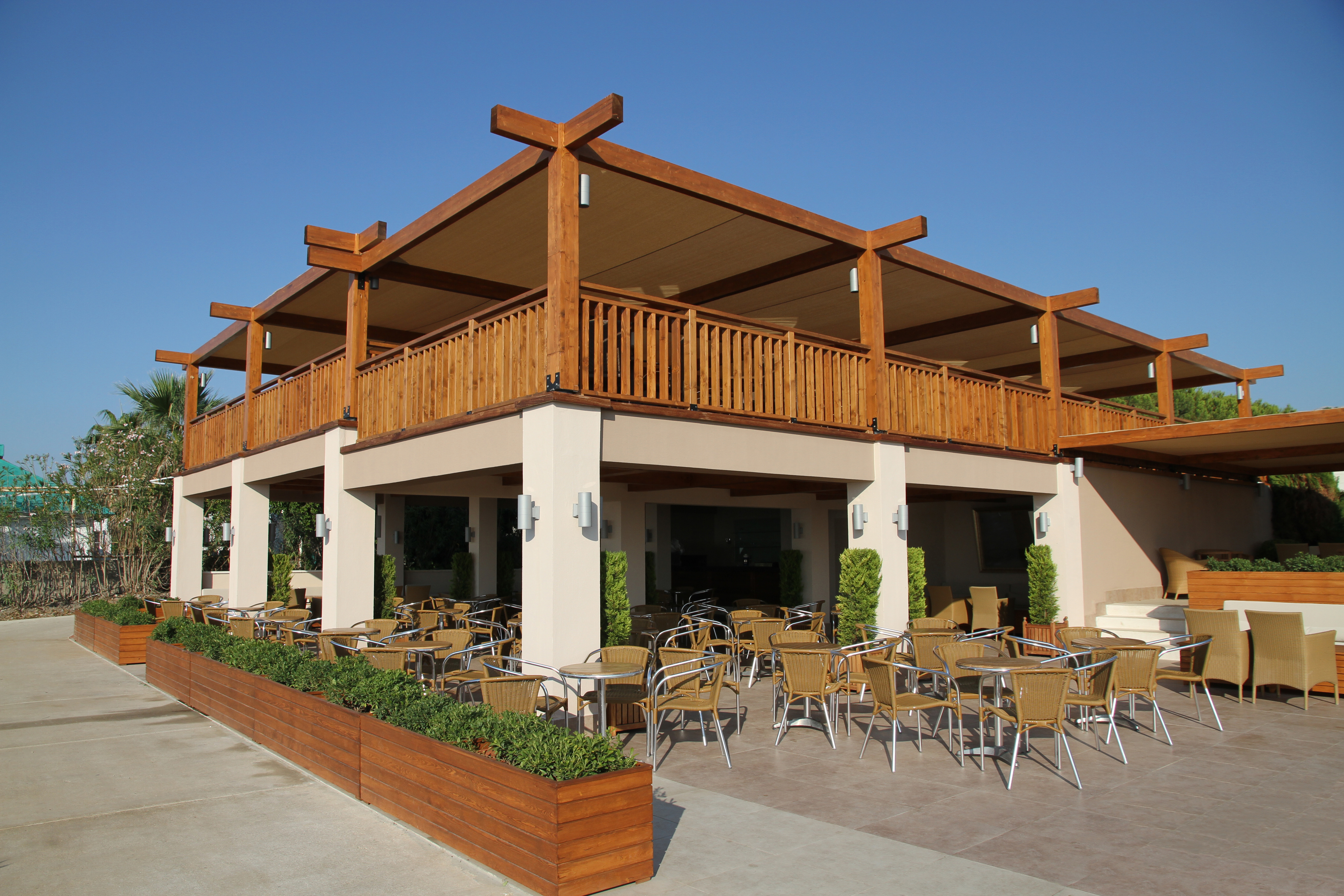 Armstrong cal builders for Restaurant exterior design pictures